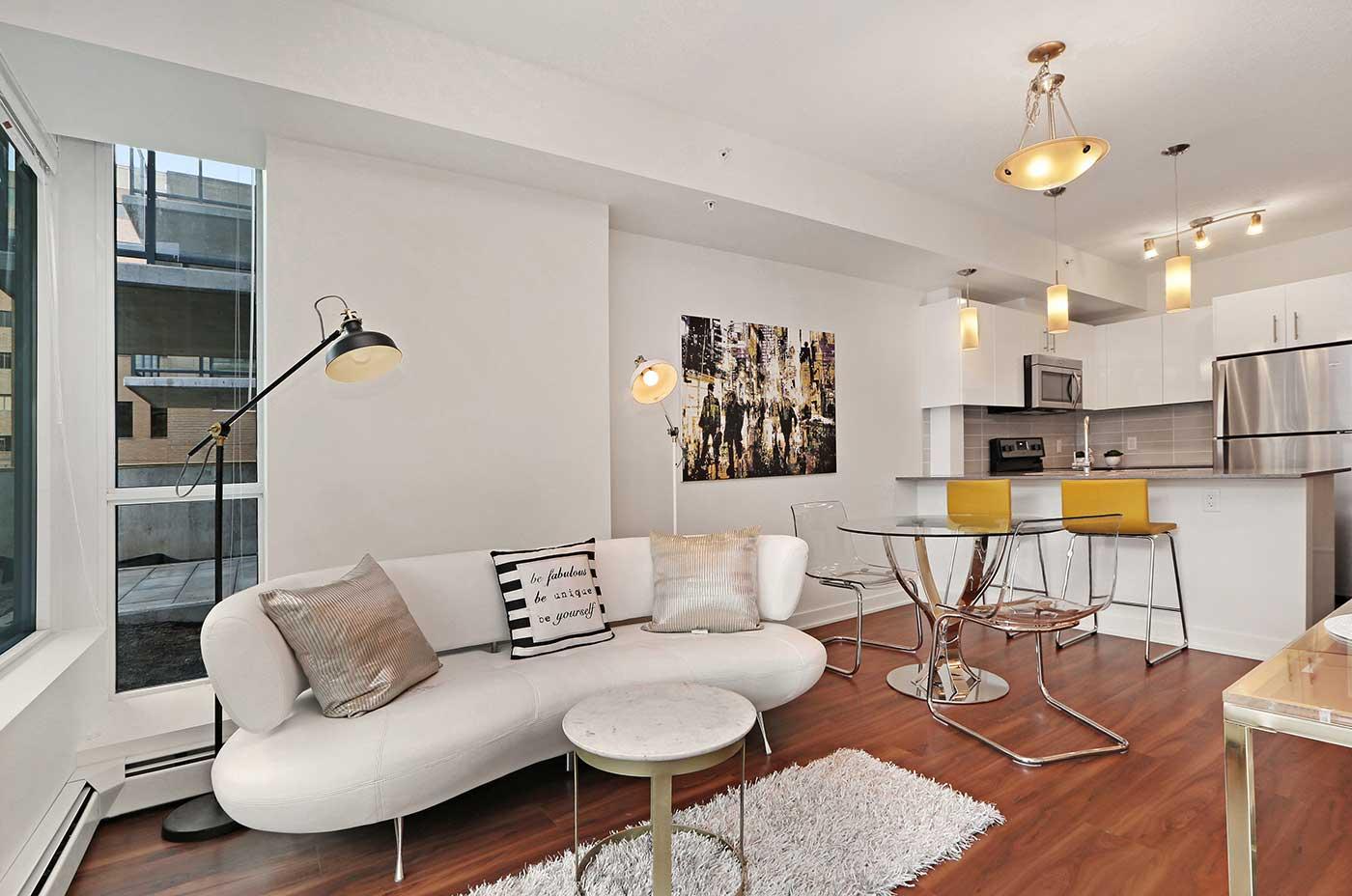1215 Rental Apartments - One bedroom J2 Livingroom view