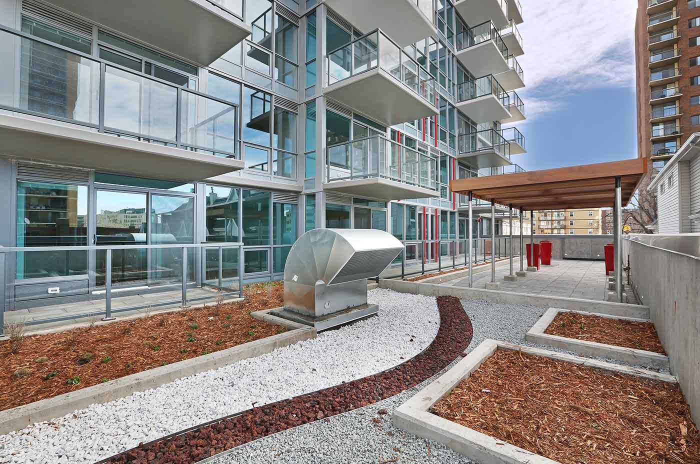 1215-apartments-calgary-patio
